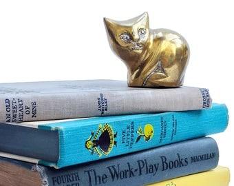 Vintage Brass Cat Miniature Brass Figurine Solid Brass Paperweight Mid Century Brass Kitty Shelf Decor Mini Brass Statue Kitten Home Decor