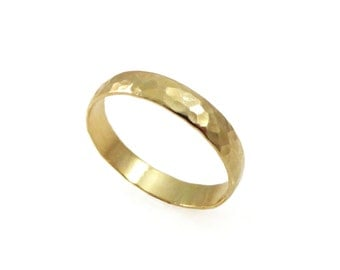 Hammered wedding ring. 14k yellow gold. 4mm wedding band men wedding ring.women wedding band. mens wedding band. (2136)