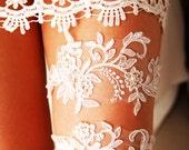 Wedding Garter Bridal Garter Set Lace Garter - Rustic Garter Boho Garter Belt - Ivory Flower Garter Vintage Inspired Lace Garter