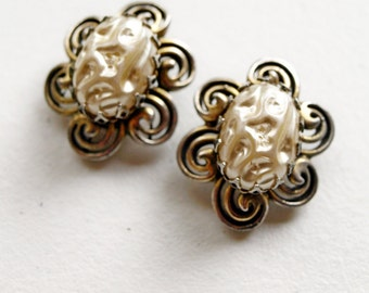Vintage Signed HOLLYCRAFT Baroque Pearl Silver Gold Swirl Clip On Earrings