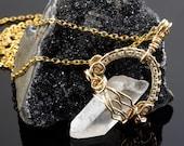 Clear quartz point - Wire...