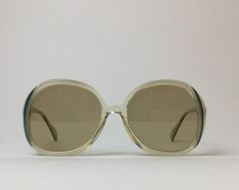 Metzler green mother of Pearl sunglasses