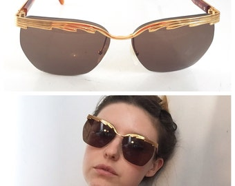 Vintage Laura Biagiotti Designer 1980s Oversized Top Bar Geometic Gold Frame Sunglasses