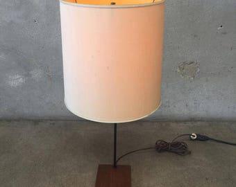 Mid Century Lamp by Gerald Thurston for Lightolier (VUSJSK)