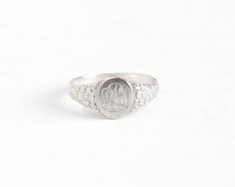 Sale - Vintage Sterling Silver Art Deco Flower Signet Ring - Size 5 1/4 Repousse Floral Swirl Initial Monogram Jewelry Script Letters PBD