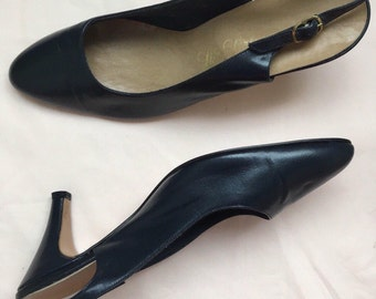 Vintage 1990's Designer Life Stride Navy Leather Slingback Pumps