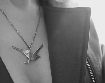 Bird pendant - Seagull necklace - Silver jewelry - Handcrafted jewellery