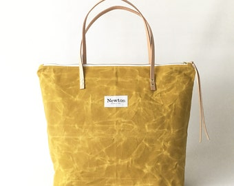 MARIGOLD / waxed canvas zip tote