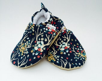 Floral Antler Baby Shoes, Flower Soft Soled Baby Shoes, Deer Antler baby shoes, Baby Booties, Baby Moccasins, Crib Shoes, Toddler Slippers