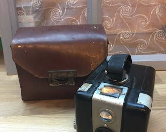 Vintage 1950s Kodak Brownie Camera
