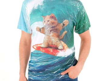Surfs Up Pizza Cat (GT4303-285SUB) Men's T-shirt. Funny tees, cats, pizza, surfing, waves, cat lover, pizza lover, beach, foodie, mens tees
