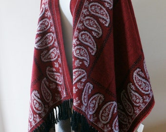 Vintage 90's Red, Black & White Paisley Fringed Blanket Shawl/Poncho Hippie/Festival NWT Deadstock One Size M-828