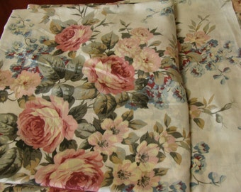 Vintage Full Size Sheet/Cabbage Roses/Sabby Chic