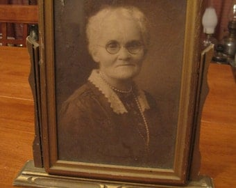 REDUCED !!Vintage beautiful old women photograph in swing style frame