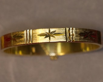 Vintage Sarah Coventry Etched Gold Tone Hinged Bangle Bracelet