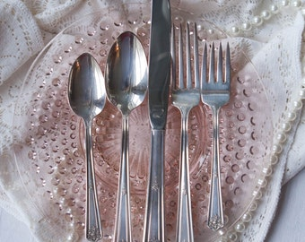 5 piece place setting rogers bro is 1928 majestic pattern silver plate flatware