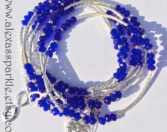 Royal blue and beaded bracelets with silver plated charms - Semanario pulseras de cristal azul rey  con dijes de chapa de plata