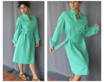 Vintage ... Teal dress / Vintage 1960s / MOD dress / Midi dress /  Blue dress / Small Medium