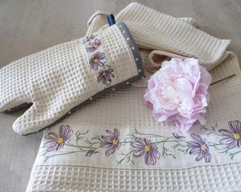 Mauve flowers embroidery patterns and its variants for machine embroidery