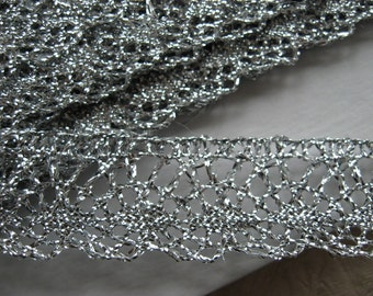 CLEARANCE - 10 METRES Lurex Metallic trim in Silver, width 20mm, crochet style, non-elasticated