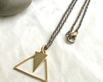 Triangle brass necklace - golden chain - minimal jewelry - collier (m963)