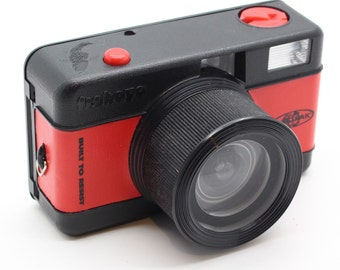 Lomography Fisheye One Eastpak - The First 35mm Film Fisheye Compact Camera – Very good condition and Tested - Lomo