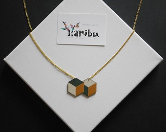 Wooden cubes necklace