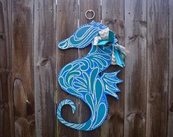 Seahorse Door Hanger, Beach Door Hanger, Seahorse Wall Decor, Sea Horse Decor, Seahorse Sign, Beach Decor, Nautical Decor, Summer Decor