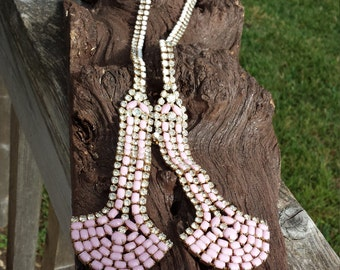 Vintage jeweled hobe pink and white milk glass necklace