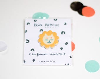 Brooch *Yellow cat 2*