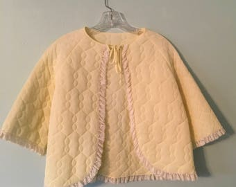 1950s Yellow Quilted Bed Jacket/Vintage Lingerie/Nightwear/Loungewear