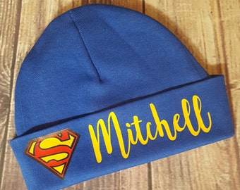 Personalized baby batman/superman Boy/Girl beanie/Hospital Hat with any name Many colors or Batman initial inside size 0-6m comic dc