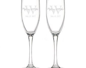 Personalized Wedding Flutes,   2 Toasting Flutes, Engraved Wedding Flute,  Monogram Toasting Flutes,  Bride & Groom Champagne Flutes