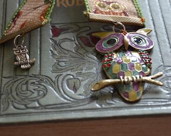 Owl ribbon bookmark, enamel effect owl. Watercolour giftcard.