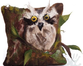 Felted decorative pillowcase / Pillow cover / Owl / Pillows / Handmade pillow cover / Wool pillows / Made to order/ Free shipping.