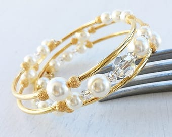 Cream Pearl Cuff Bracelet, Pearl and Crystal Gold Wire Wrap Bracelet, Gold Pearl Memory Wire Bracelet, Wedding Pearl Bracelet