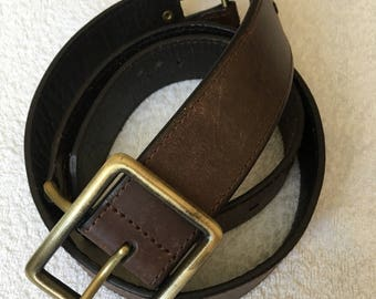 Vintage  brown  Real leather  belt with  buckle.  Good condition.