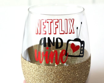 Netflix // Netflix Glitter Wine Glass // Netflix and Chilled Wine // Netflixing // Netflix and Wine // Netflix Gifts // Funny Netflix Gift