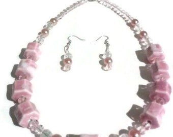 Pink Marble Stone Necklace, Statement Piece, Gift For Her, Marble and Stone,Valentines Gift,Pink Pearl Bead Necklace, Beautiful Bold Piece.