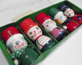 Set of 5 boxed Clown Egg Cups, French hand painted 70's Tableware, Children's novelty egg cups, clown coquetiers, Easter gift