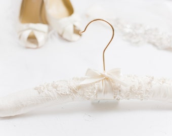 Personalized Wedding Hanger, Personalized Bridal Hanger, Matching Wedding Dress Hanger, Bridal Gown Hanger