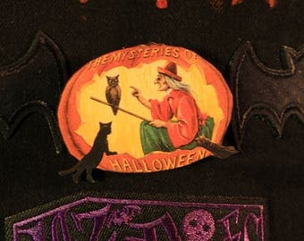Halloween Mysteries Pumpkin Pin Badge