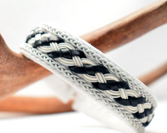 Swedish Sami Bracelet of pewter thread with 4 % silver, and reindeer leather - Made in Sweden