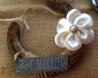 Just Married Lucky Horseshoe for Wedding-Bridal Shower-Decoration-Gift-Horseshoe art-Equestrian-Cowgirl-Cowboy-Country-Western-Rustic