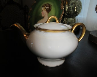 USA OPCO SYRACUSE Teapot Old Colony