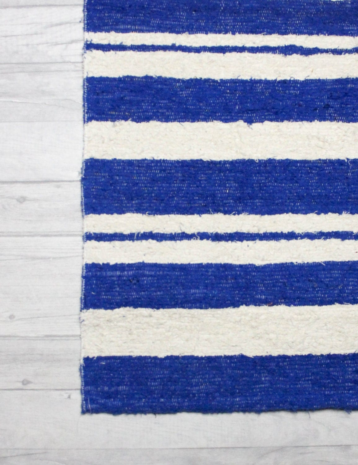 Blue rug white rug bathroom mat rug blue striped rug sea for Blue and white striped bathroom accessories