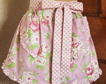 Vintage Style Apron , Womens Apron/ Ruffled Apron