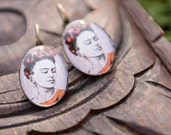 Earrings sleepers oval Frida Kahlo - mother's day - father's day