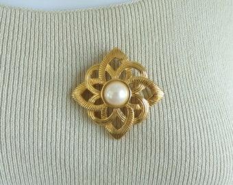 60s art deco brooch, gold metal faux pearl vintage pin, 1960s geometric spiral vintage brooch, costume jewelry, jewellery