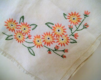 Small Vintage Linen Tablecloth. Floral Embroidered Tablecloth. Natural Linen Tablecloth. Small Square Linen Table Cover. Daisy Motif.